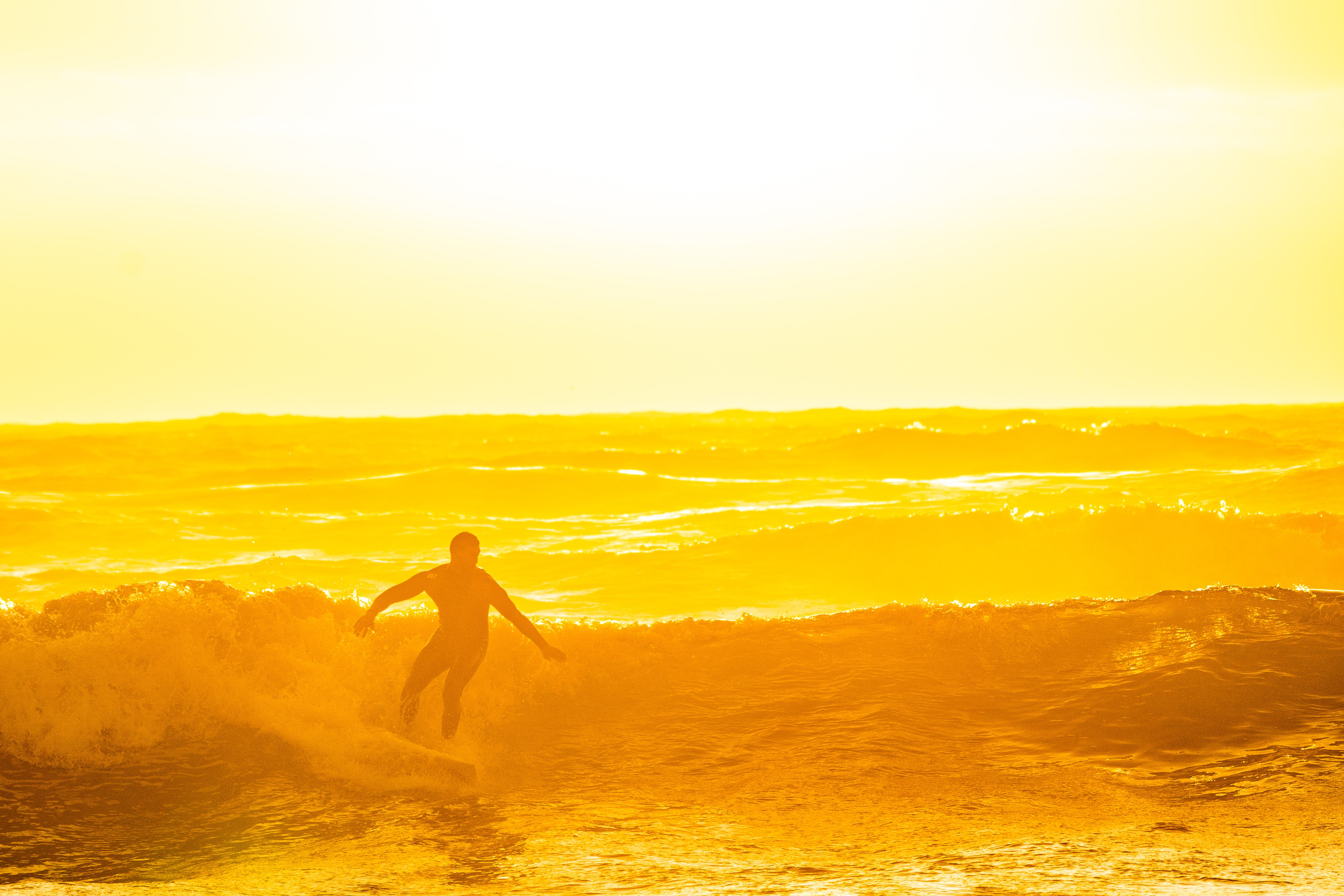 dawn-golden-hour-ocean-1654495
